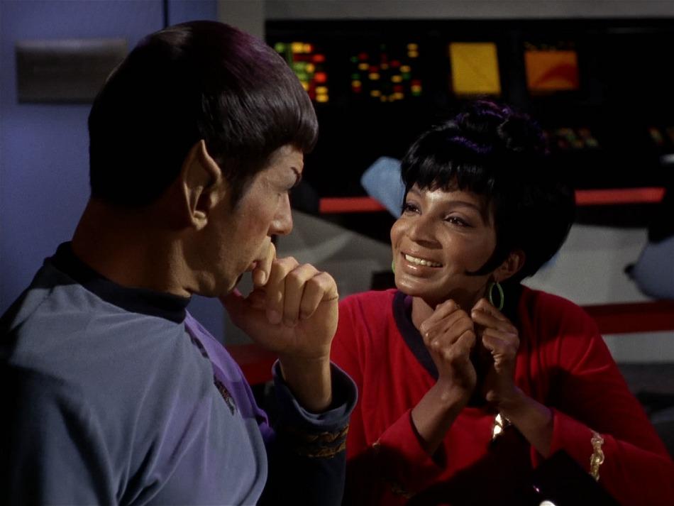 2009-07-13_Spock_Uhura