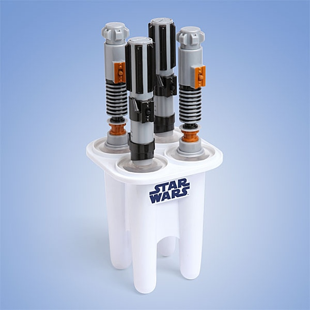 star_wars_Glowing_Lightsaber_Ice_Pop_Maker2