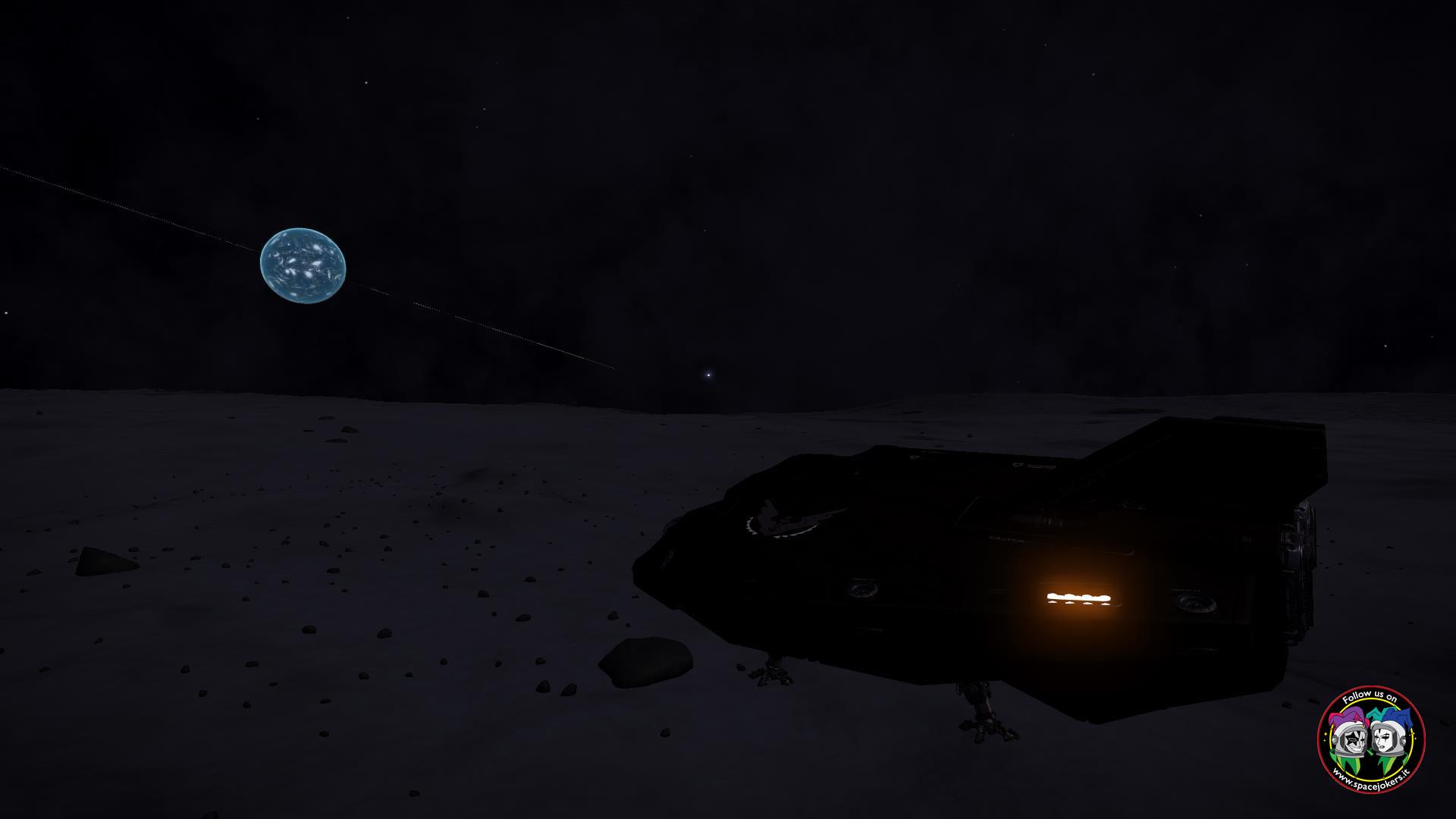 il mio arrivo sulla luna di Podar e la visuale sul suo pianeta tipo Terra ma con tanto di anelli (appena visibili)